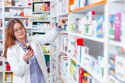 Stock Photo: Pharmacist