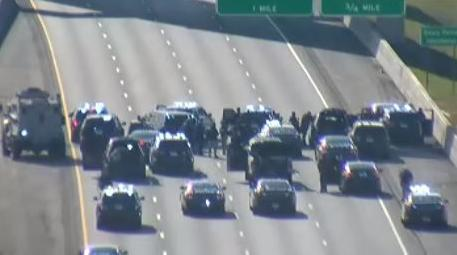 Arrest of armed robbery suspect causes I-75 lane closures