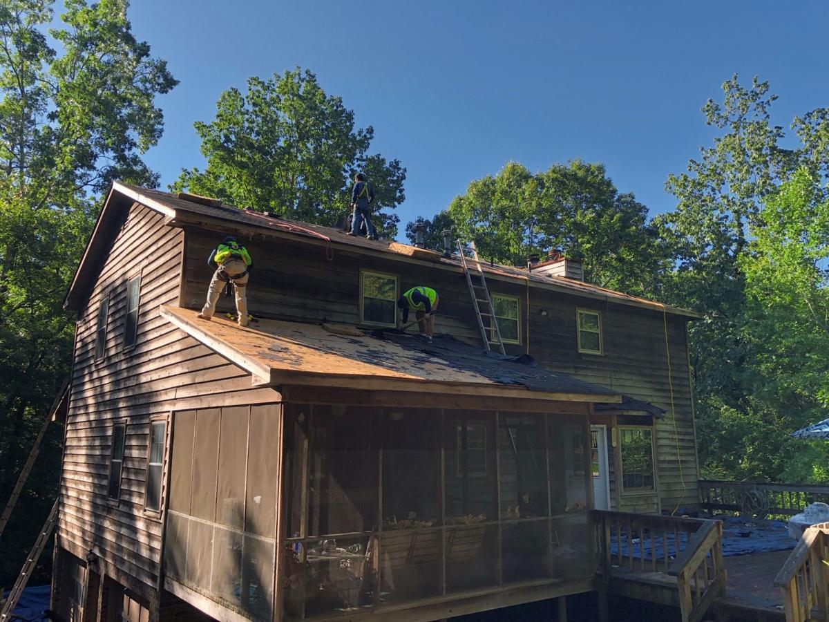Marietta veteran receives new roof installed by ARAC Roof It