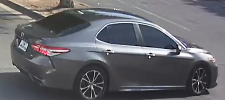 suspect vehicle in parking lot 3photo _.PNG