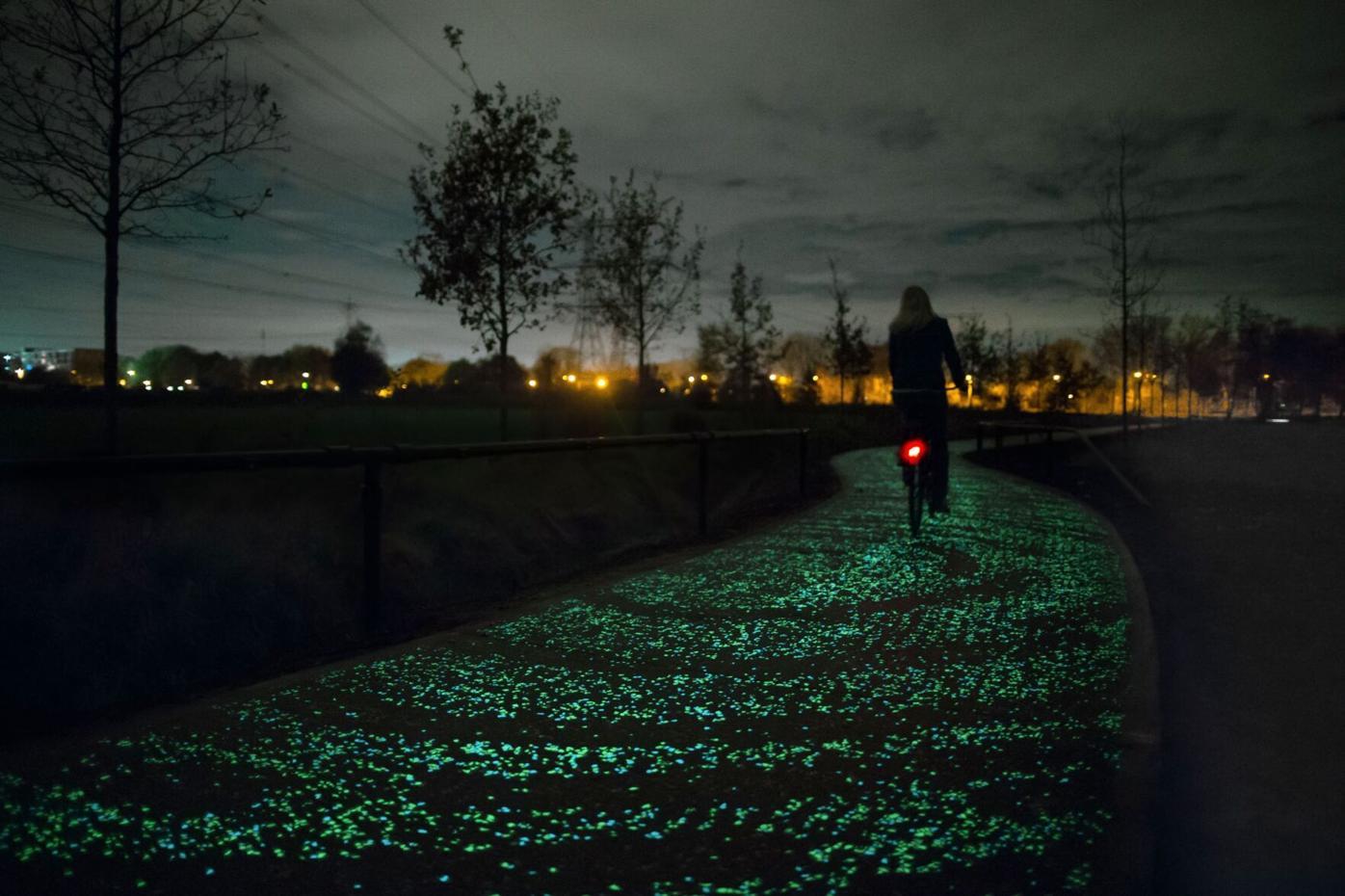050521_MNS_MODA_bikes_006 Daan Roosegaarde Van Gogh Bike Path