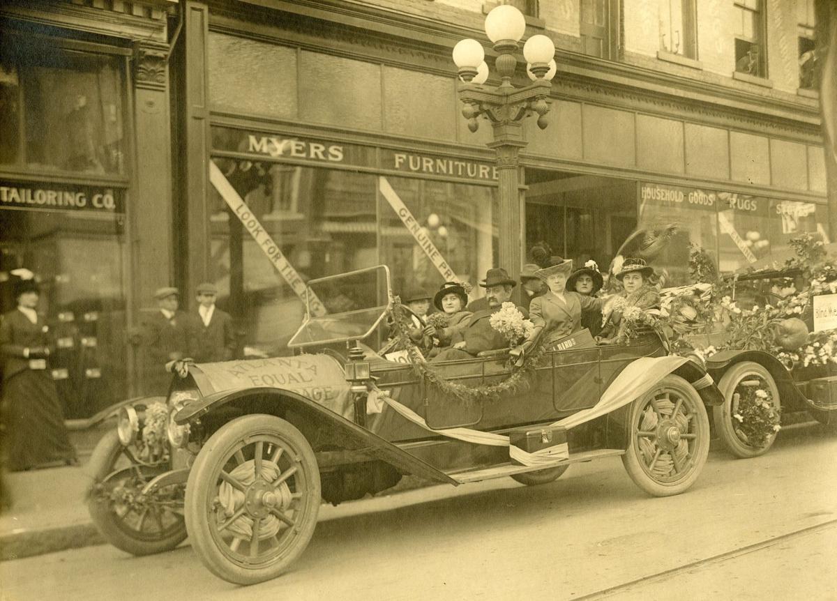 082819_MNS_suffrage_exhibit_002 1913 suffrage parade photo