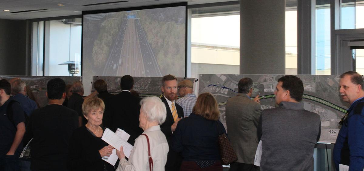 032019_MNS_GDOT_meeting_002 attendees viewing maps