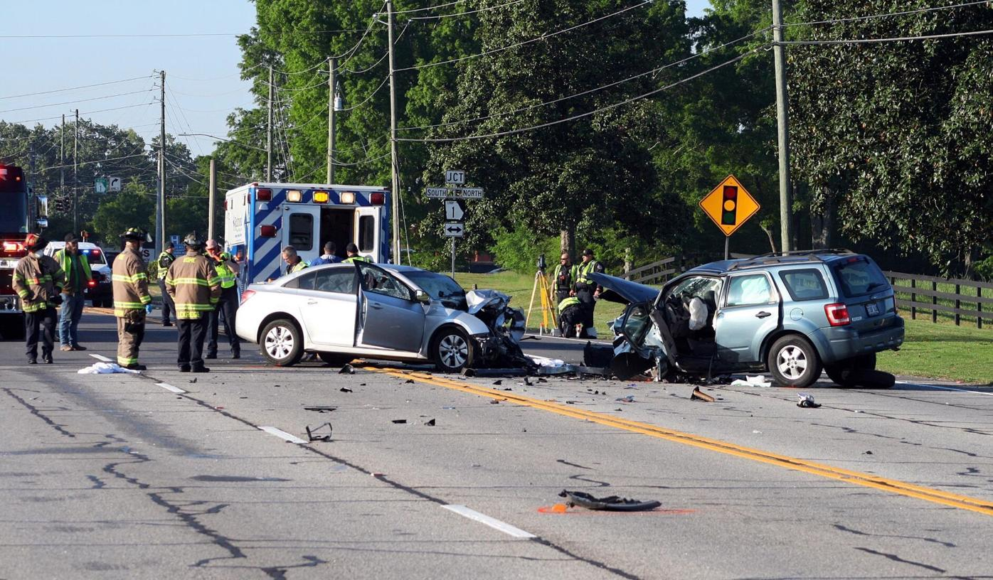 Martha Berry Highway blocked as police investigate fatal wreck