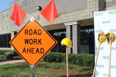 Camp Creek DDI road work sign 01