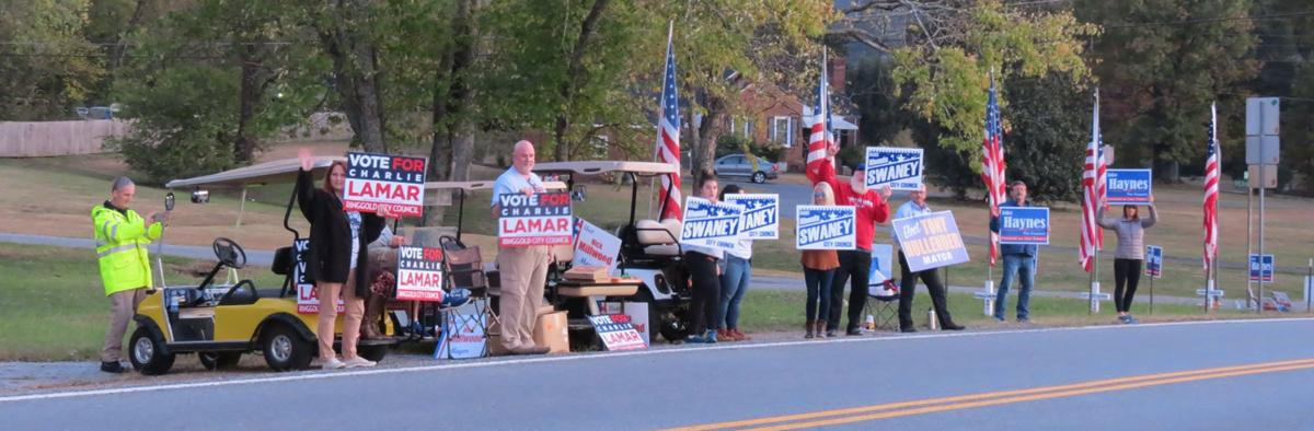 Ringgold candidates along road election day