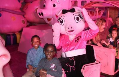 110619_MNS_Pink_Pig_008 children with Priscilla