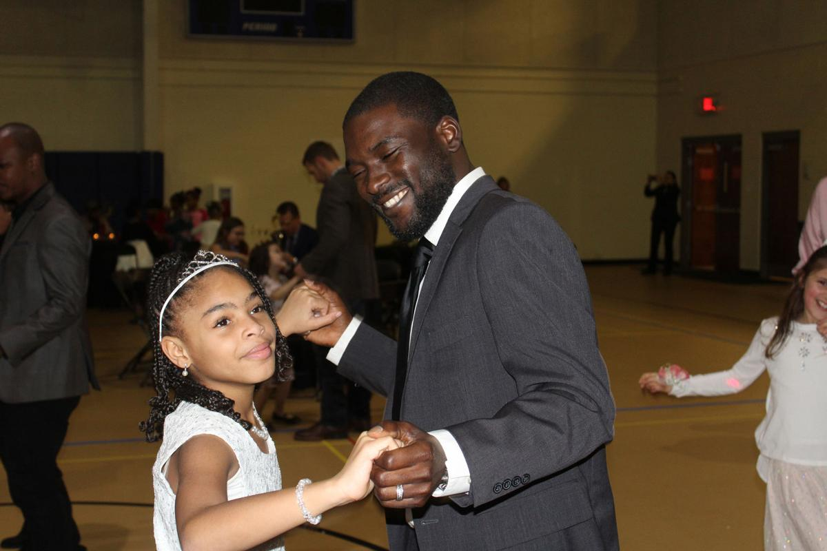 Dads Show Their Love Dance Moves At Daddy Daughter Dance News Mdjonline Com