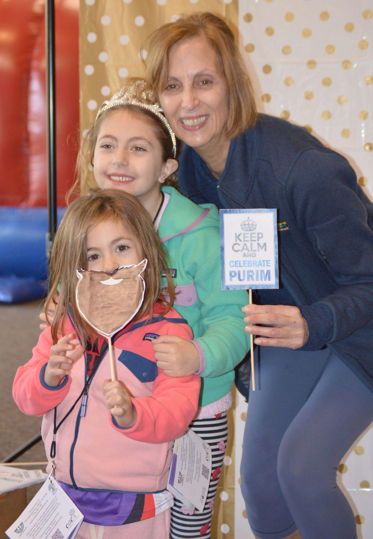040120_MNS_full_Purim_002 Jennifer Kahnweiler with girls
