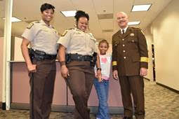 Louisiana 8-year-old brings love to Fulton Sheriff's Office