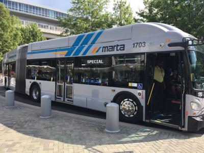 MARTA bus exterior 02