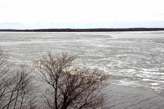 Ice on Mille Lacs