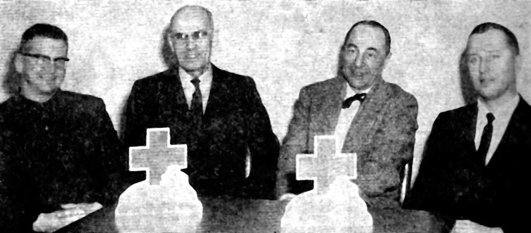 Aitkin's 1st National Bank (left) circa 1960