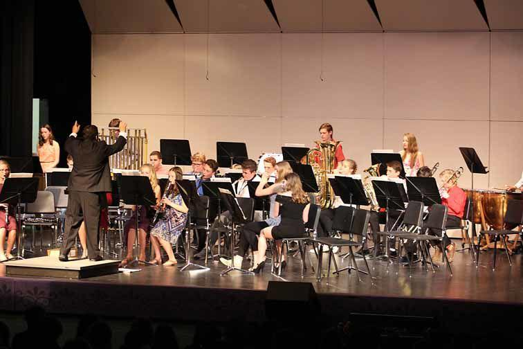 AHS_Band ConcertGrade8Far_190515.jpg