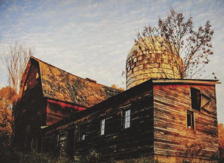 In the photography division, Sara Temte entered 'Miller Barn'.