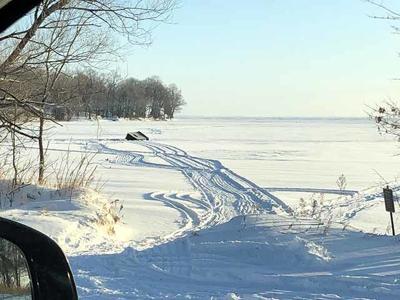 Mille Lacs Lake - Wigwam Bay ice
