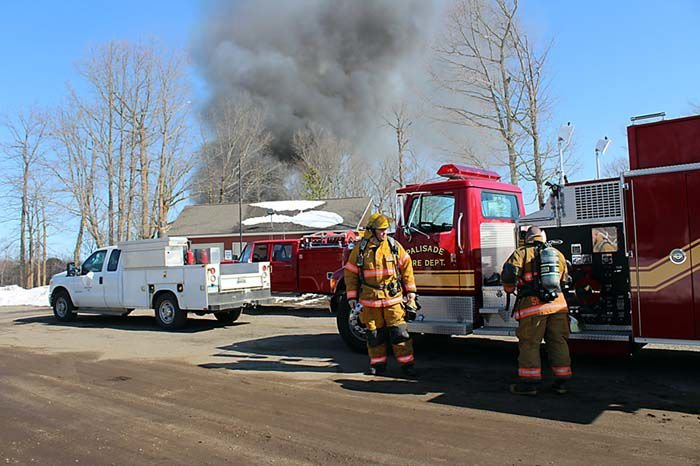 No injuries in Quadna Mountain fire, but one building a complete loss