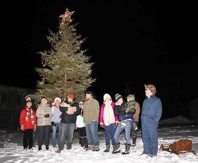Onamia Tree Lighting