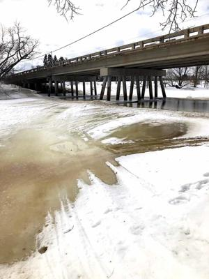 Thanks to recent high temperatures, the Mississippi River is beginning to thaw.