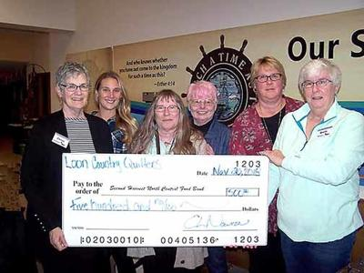 Loon Country Quilters Donate to Second Harvest