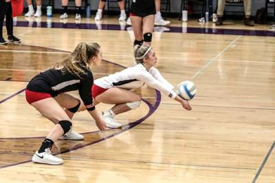 Gobbler volleyball picks up pair of victories