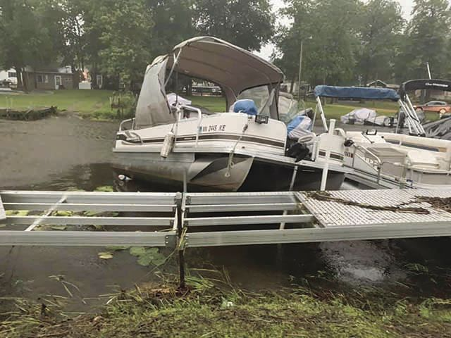Storm - Mille Lacs Island Resort pontoons