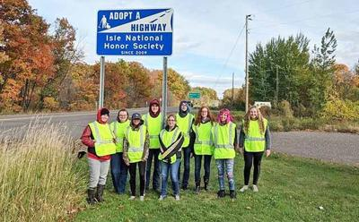 IHS National Honor Society ditch cleanup