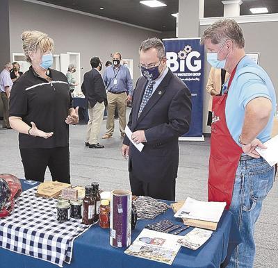 GSU president visits Innovation Center