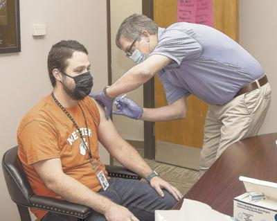 School personnel get vaccinated