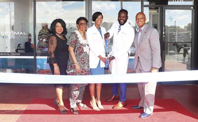 Doctors bring health care to residents health wellness - Doctors medical center miami gardens ...