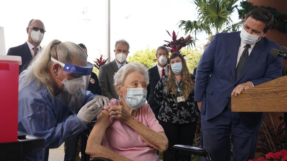 Vera Leip receives the Pfizer vaccine