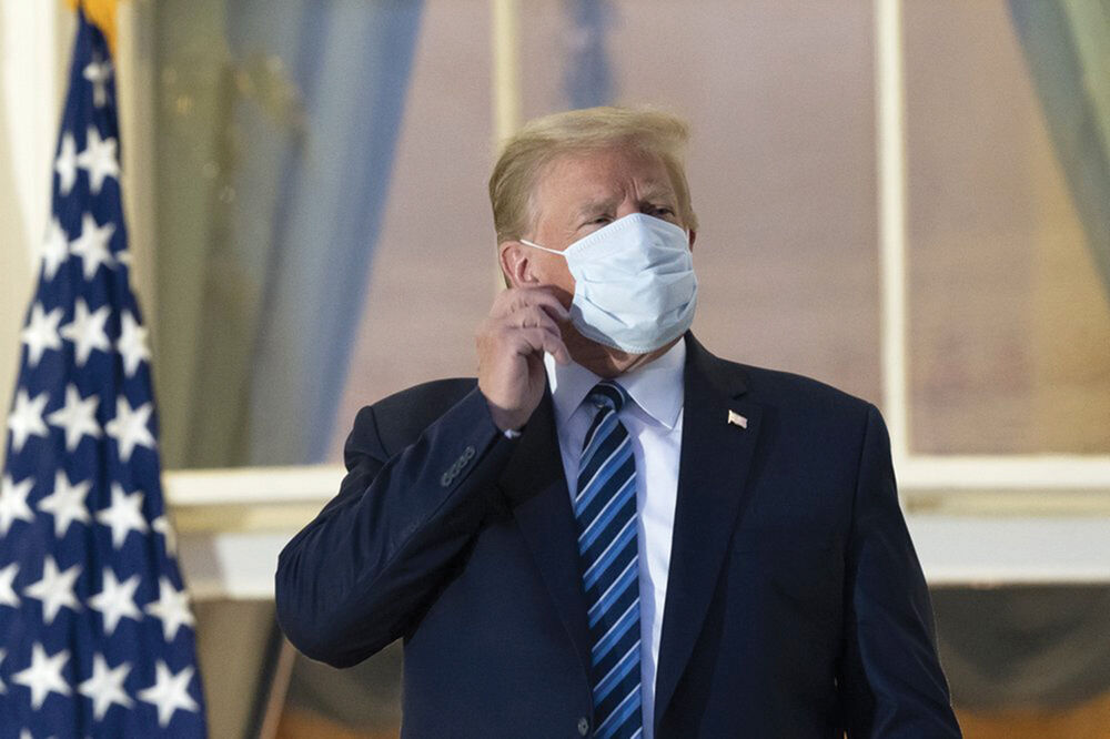 Trump removed his mask