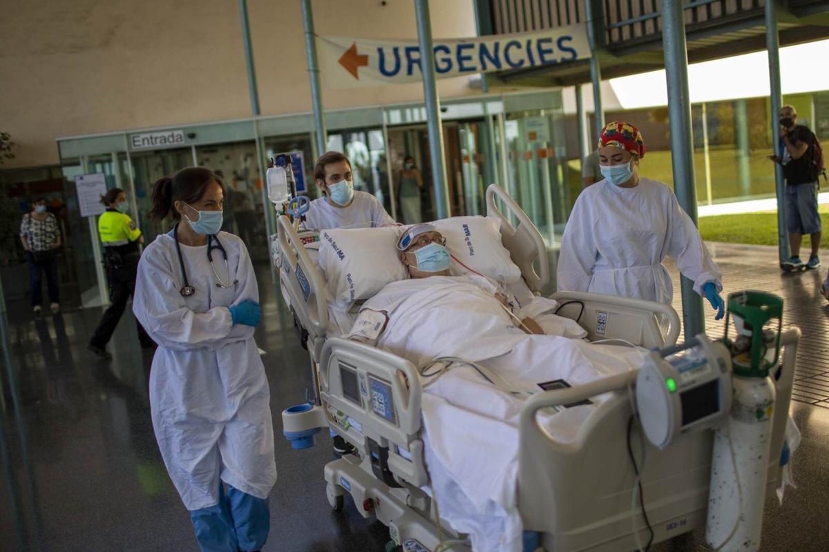 Virus Outbreak Spain Seaside Therapy