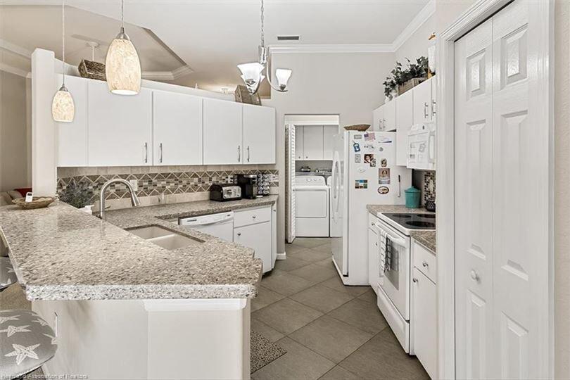 3007 Ashley Oaks kitchen