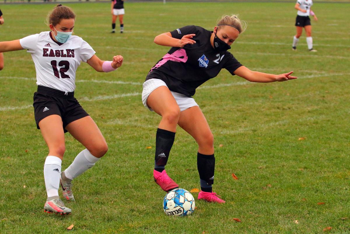 milton girls soccer16.jpg