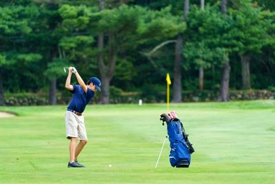 Good grip, good form by MHS golfers