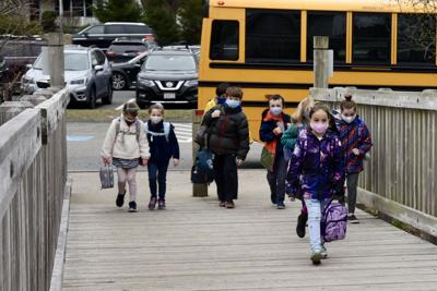 K-5 students return to MPS