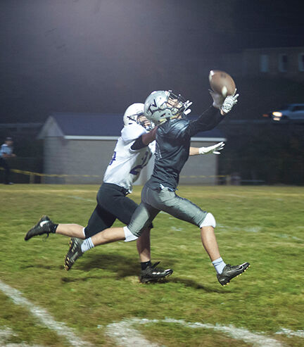 tv Ian Reed catches a pass resulting in a Touchdown late in the game.jpg