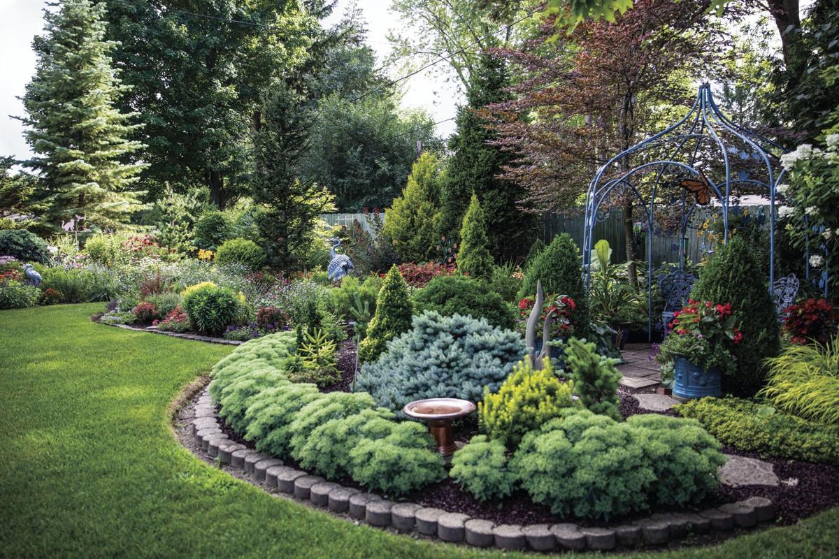 2020.07.29_Dierbeck_H&G_GardenTour_MrsDanforth-Final_4.jpg