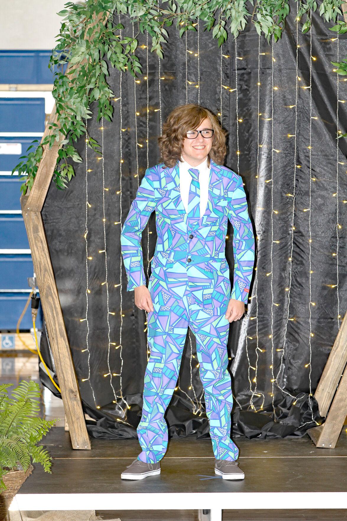Moose Lake High School celebrates prom