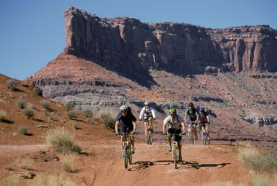 Canyonlands cyclists