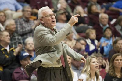 Robin Selvig achieves 800th career win