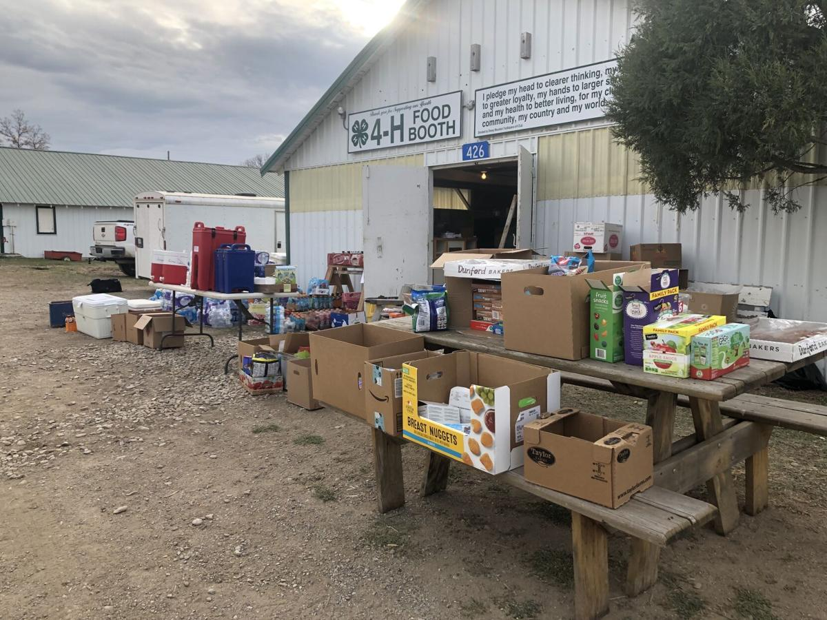 Lewistown community help ranchers, donate supplies to South Moccasin firefighters