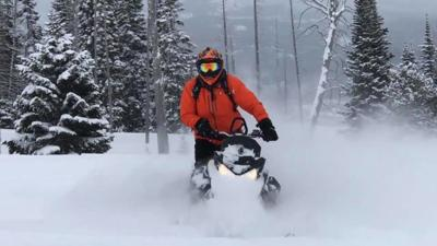 Tension In West Yellowstone Snowmobiling Community Following Union Protests Abc Fox Bozeman Montanarightnow Com