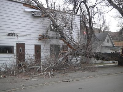 Fort Benton takes on damages from high wind gusts