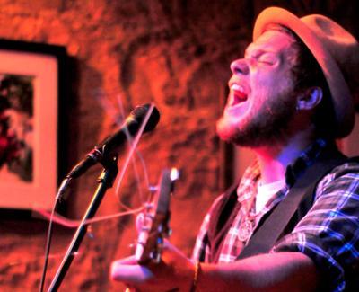Hard traveling provides an endless source of inspiration for singer-songwriter Jordan Smart.