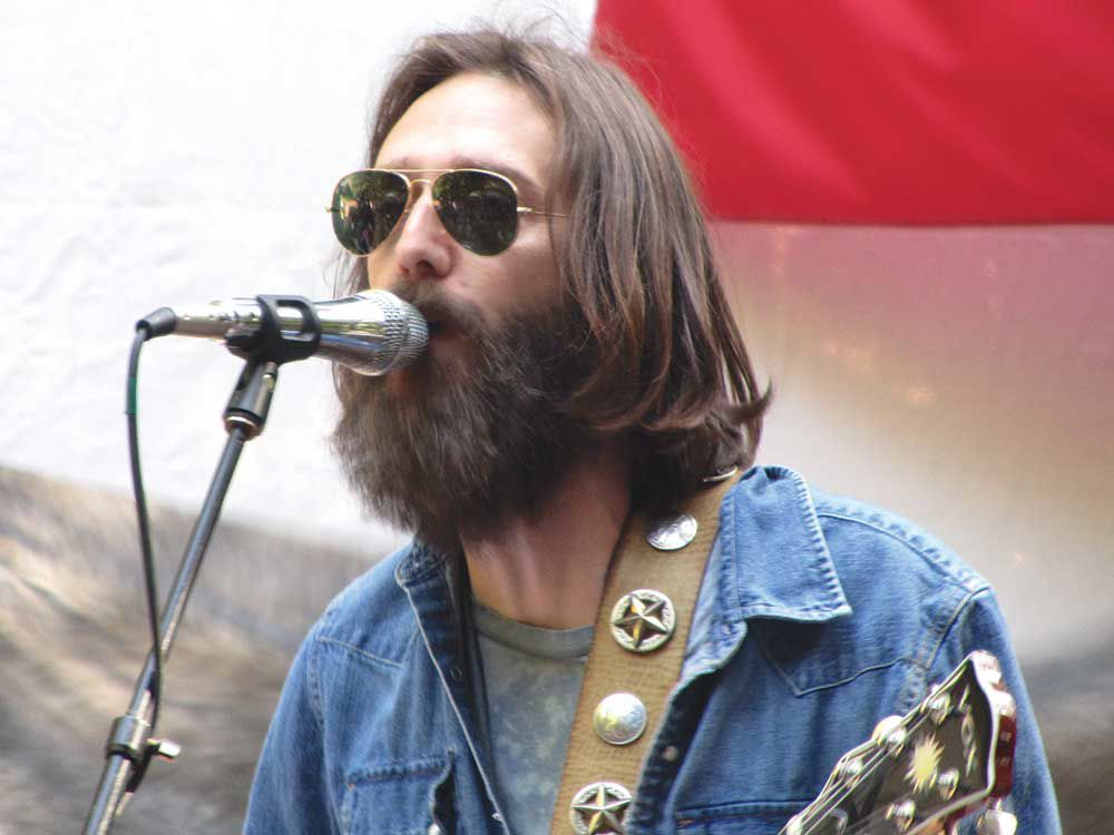 Chris Robinson promises huge festival vibes without the huge festival crowds.
