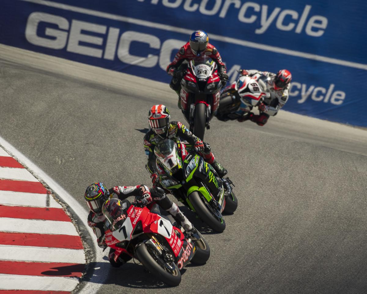 PHOTOS: Fast motorcycles at th...