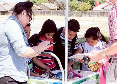 Cesar Chavez Library S Paletero Cart Serves Kids Education 0623