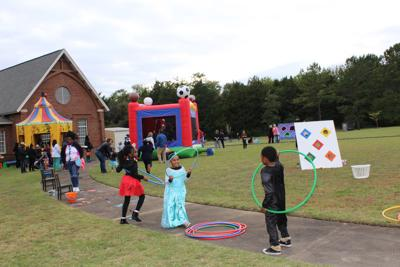 Holy Cross Episcopal School holds annual Fall Festival a1